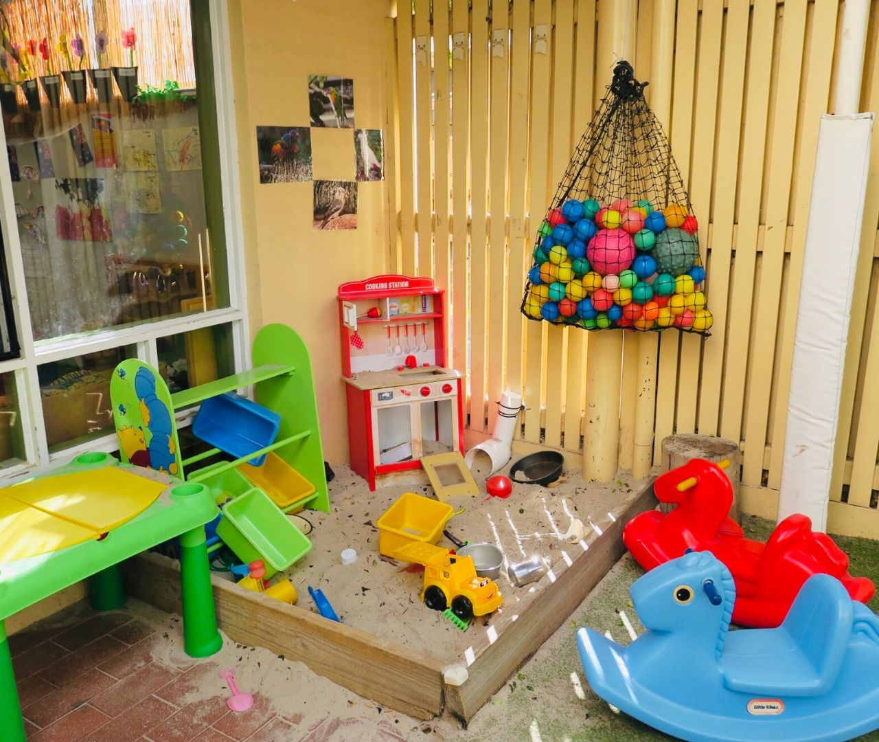 Mill Park heights Childcare Centre outside 2